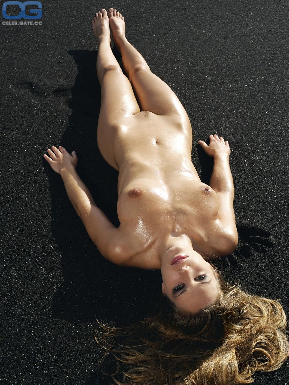 Eisner nude ines INES EISNER