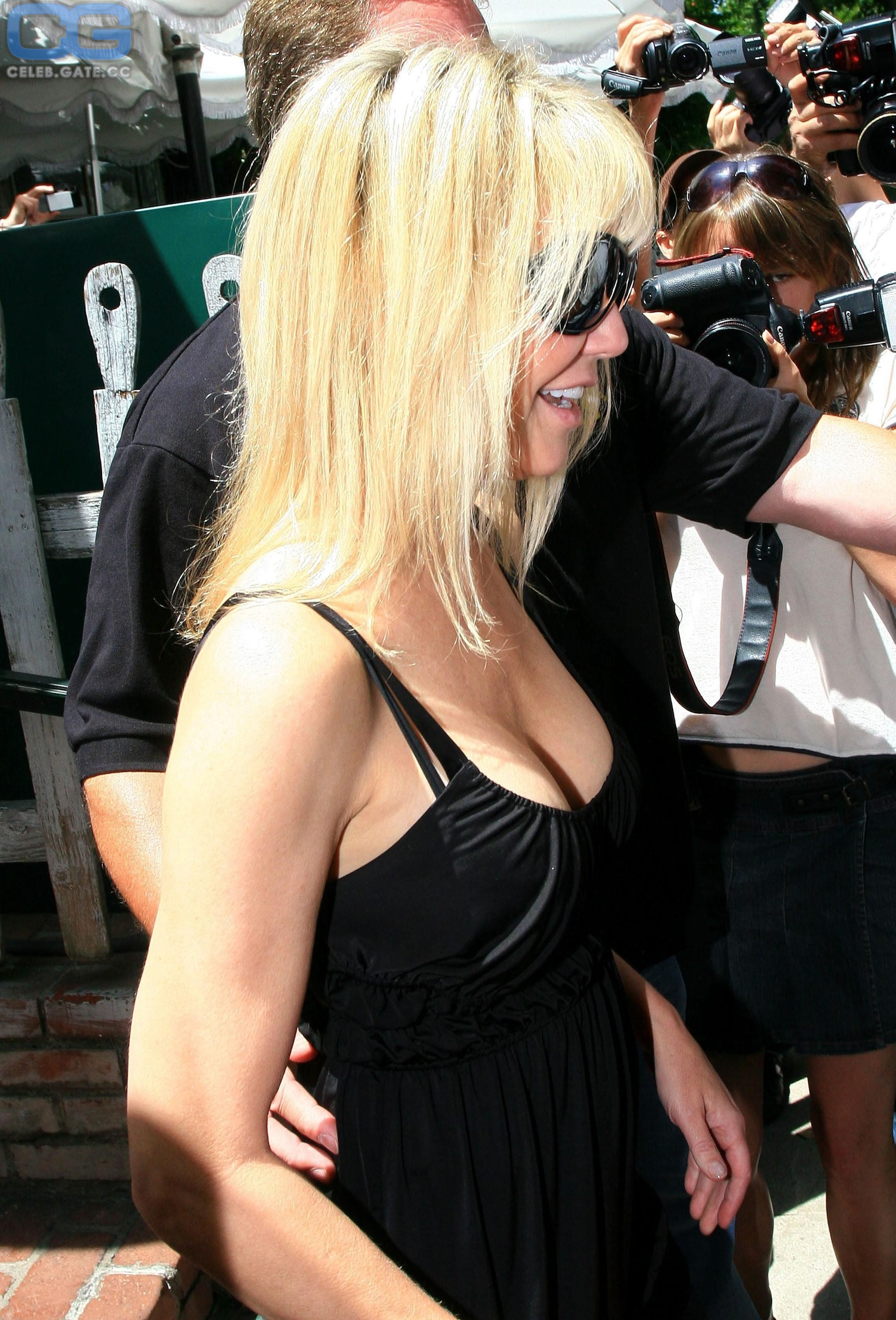 Locklear nackt Heather  41 Hot