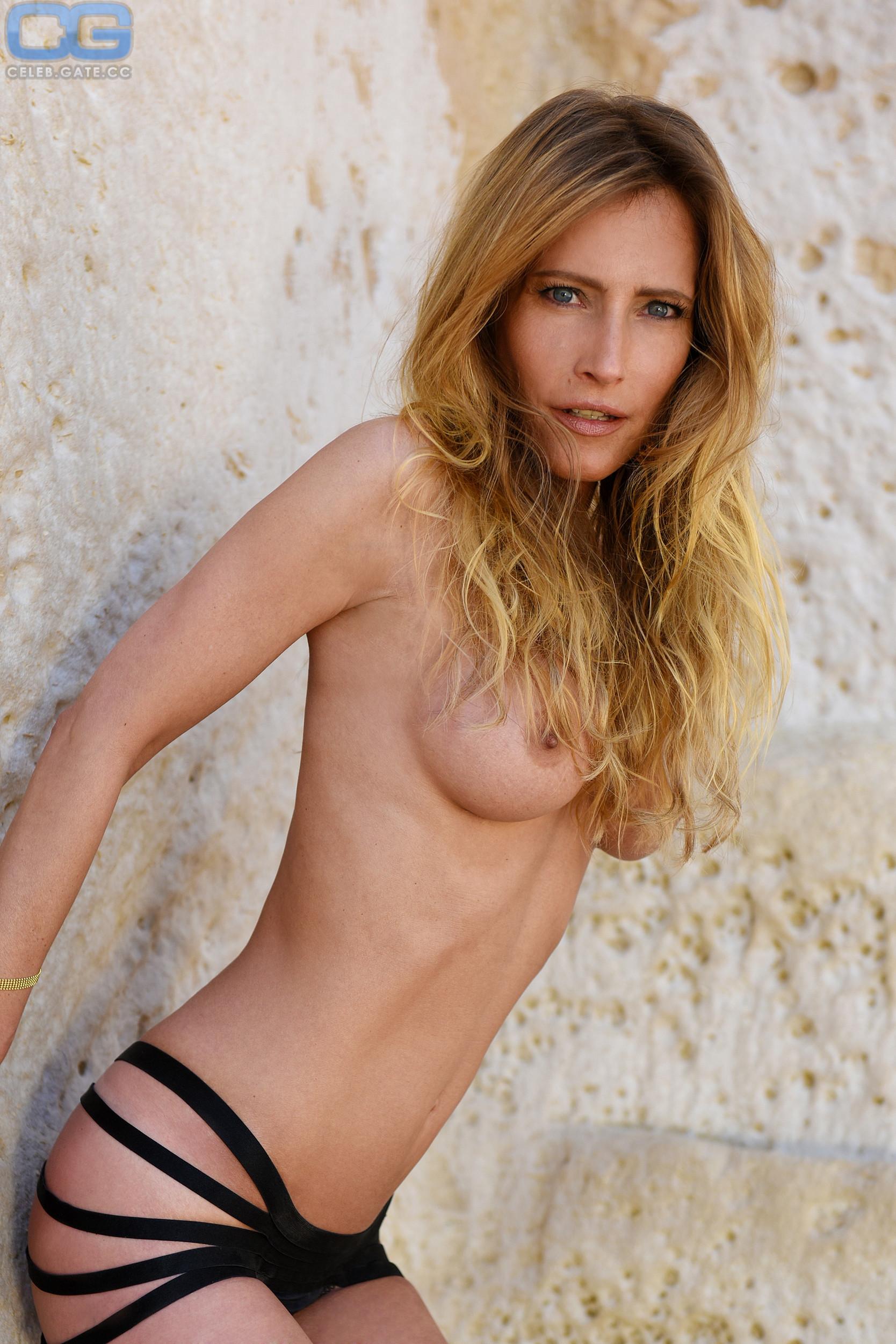 Nackt  Florentine Lahme Nude Verena