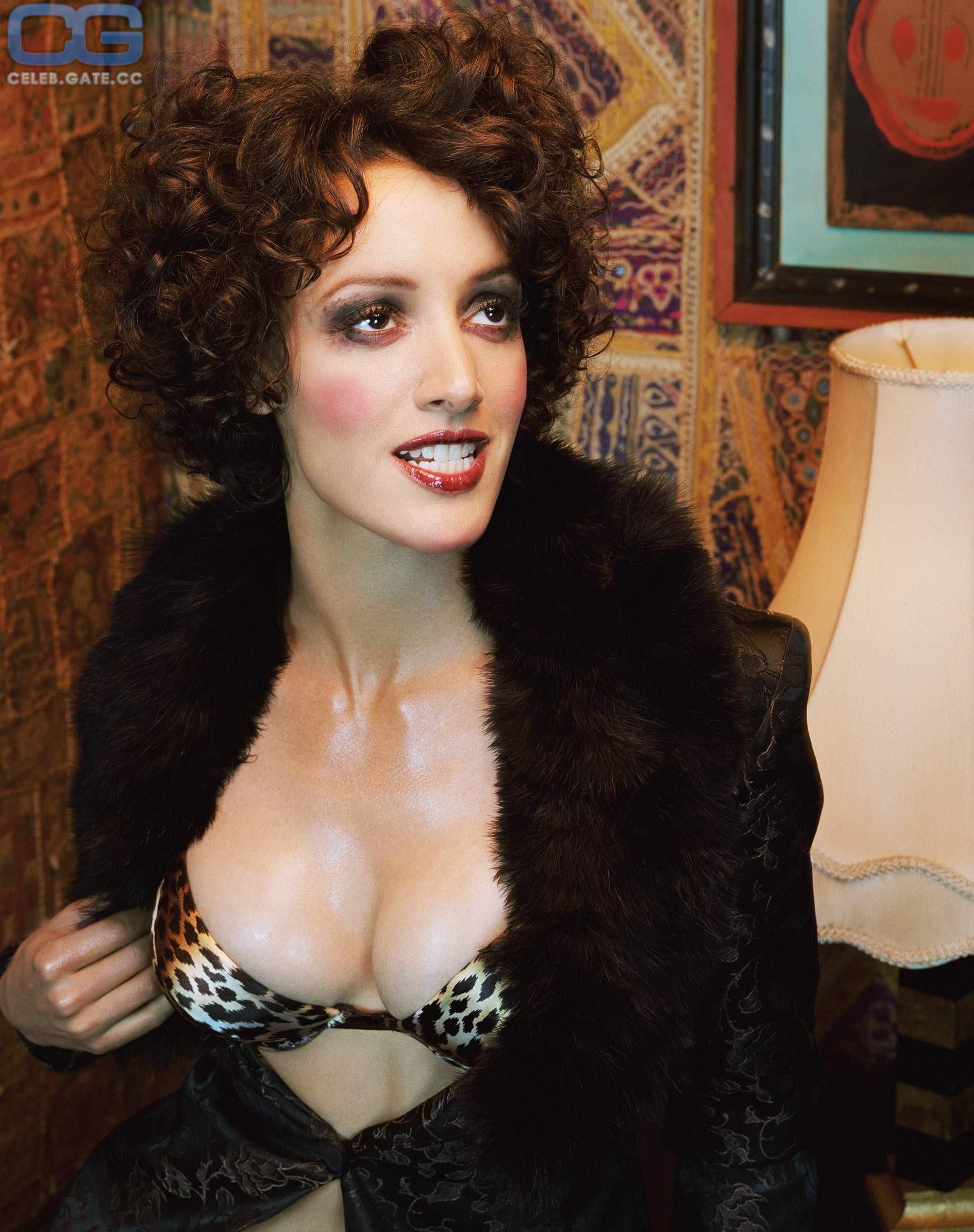Nackt Jennifer Beals  Jessica Biel