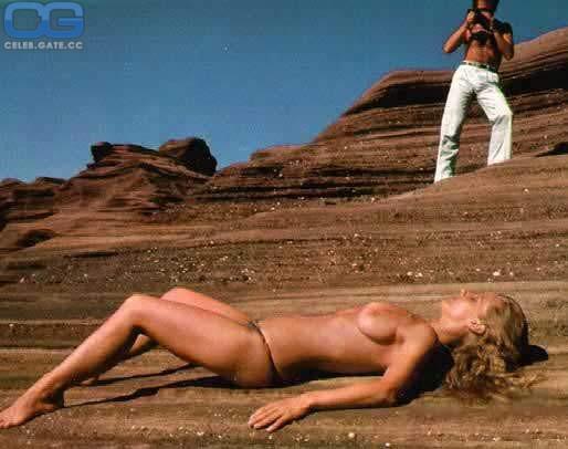 Celebrity Hudson Leick Naked Images