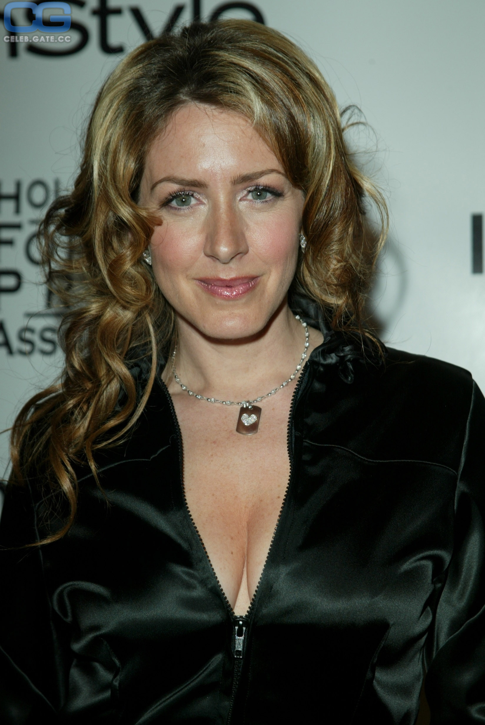 Nackt joely fisher All Joey