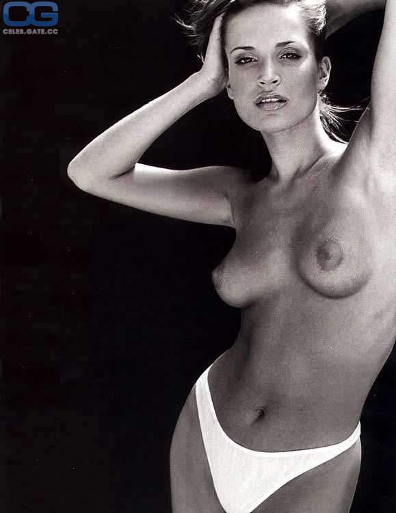 Sophie nackt Anderton '90s It