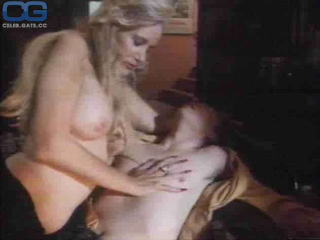 Sally Kirkland  nackt