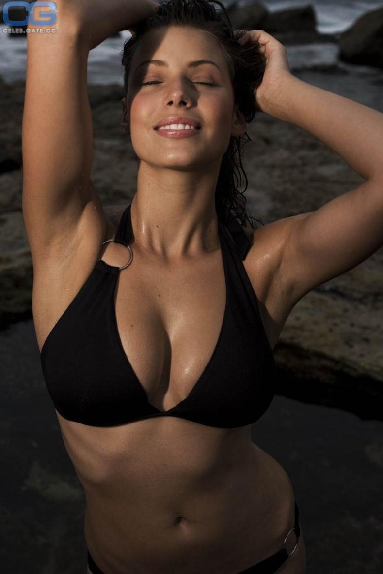Nackt Leyla Razzari  Category:Leyla Milani