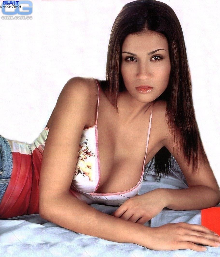 Francesca Lodo  nackt