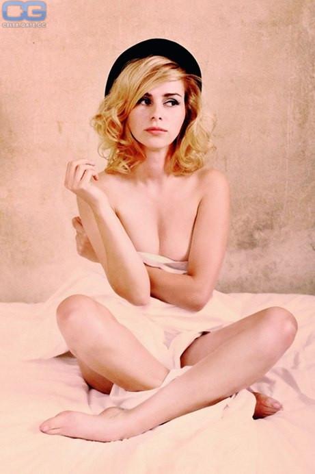 Playboy nackt nora tschirner Nora Tschirner