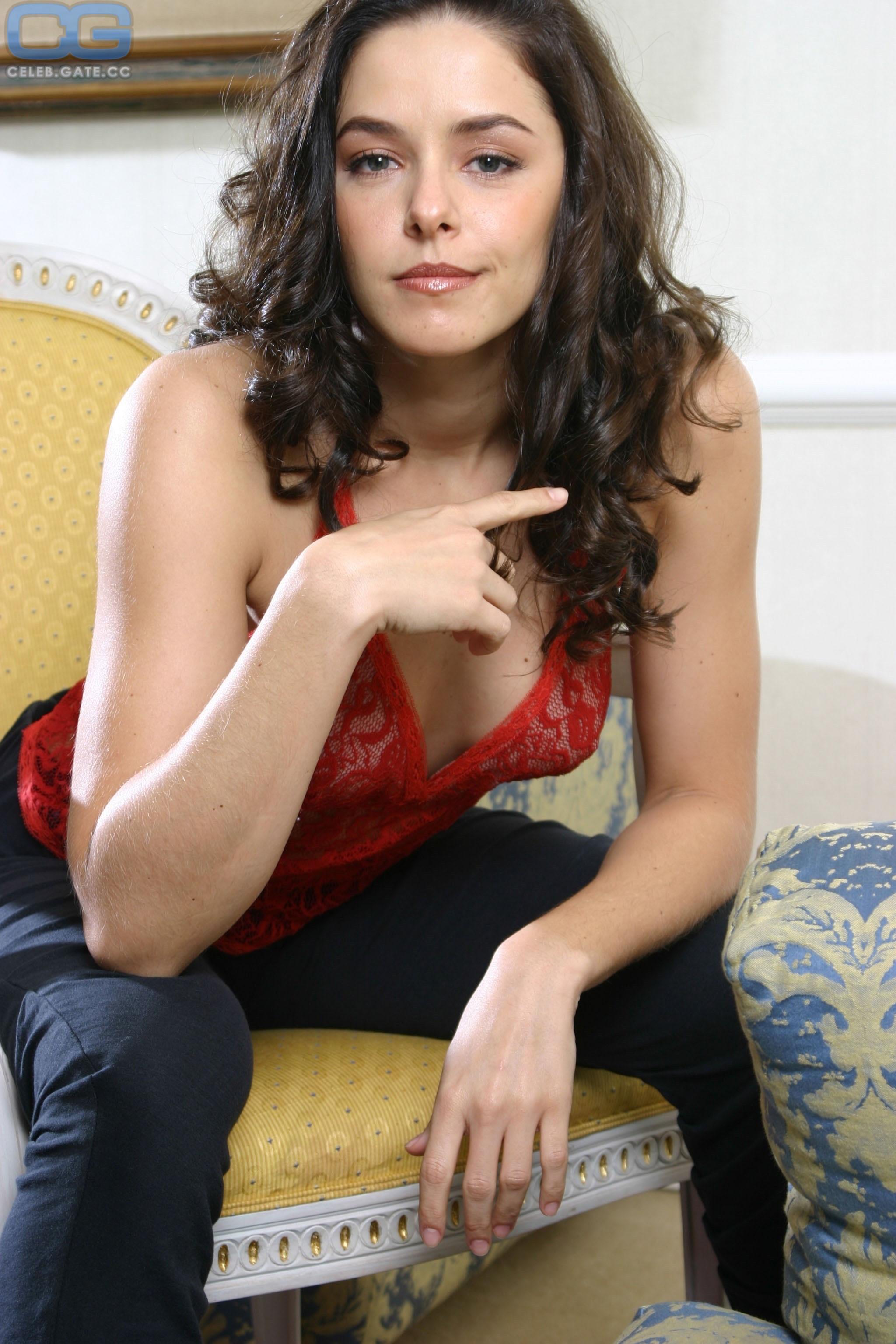 nackt Kamrau Britta GALLERY: A