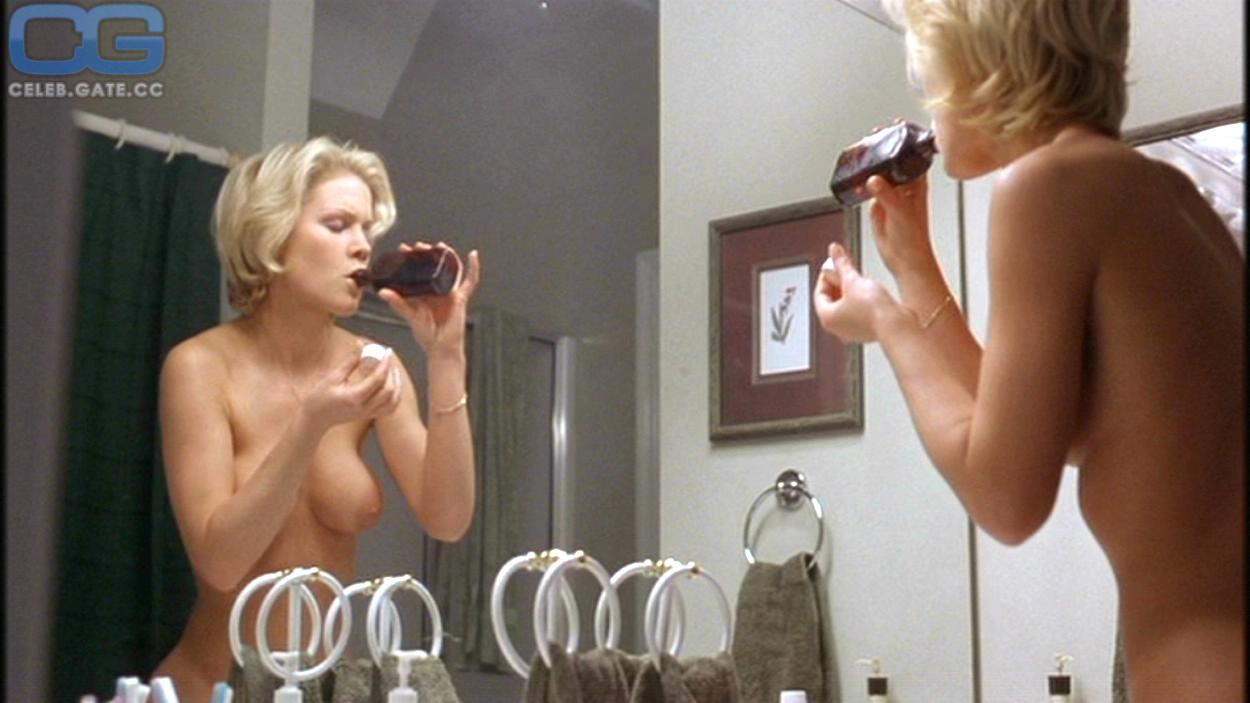 Topless Julie Davis Nude HD