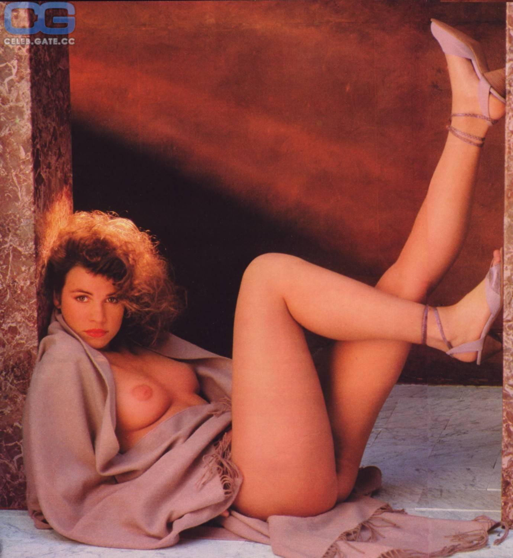 Celebrity Valerie Coel Nude HD