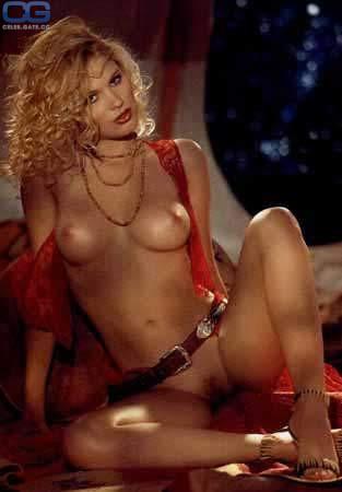 Kristi Cline  nackt