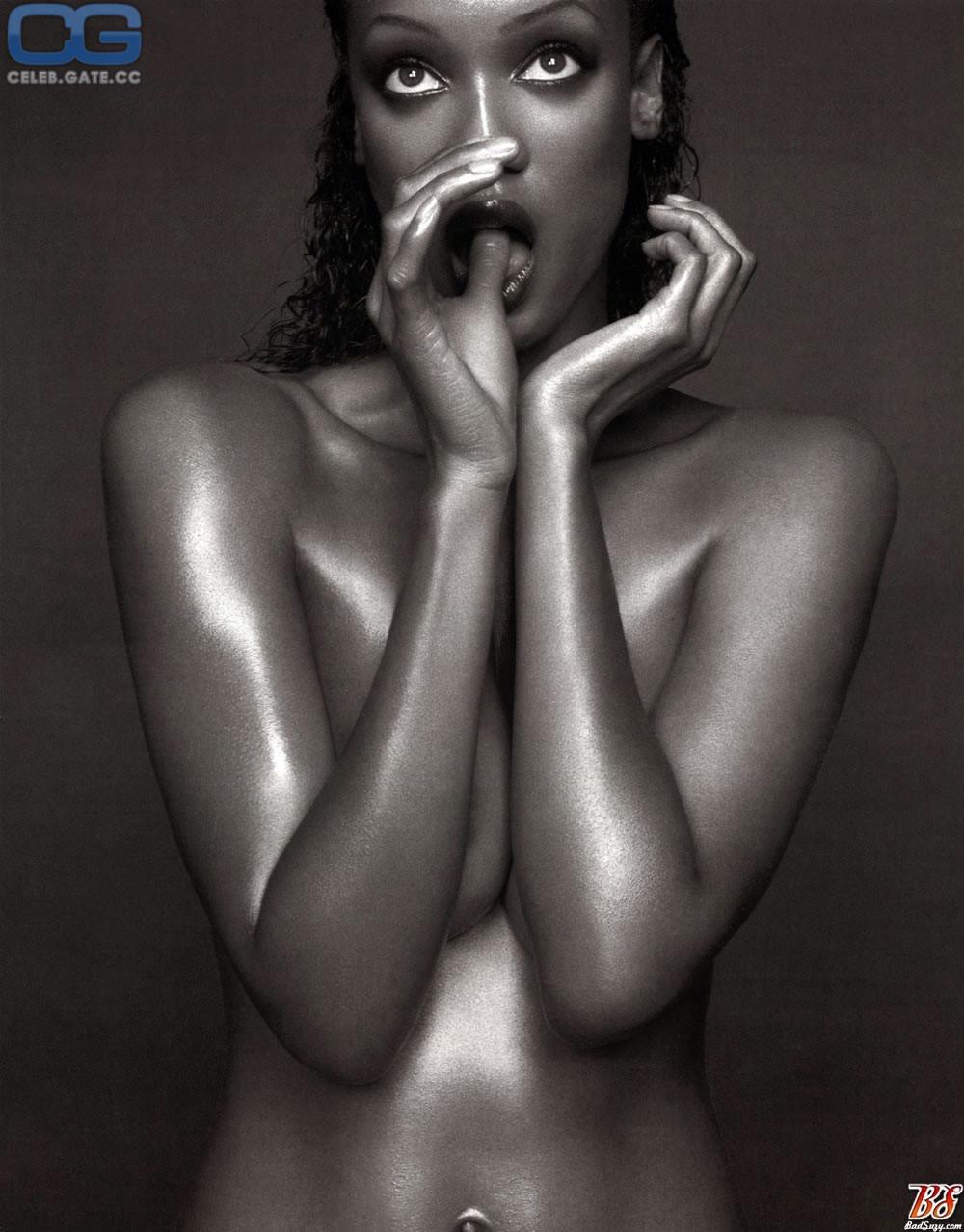 bankd nude Tyra