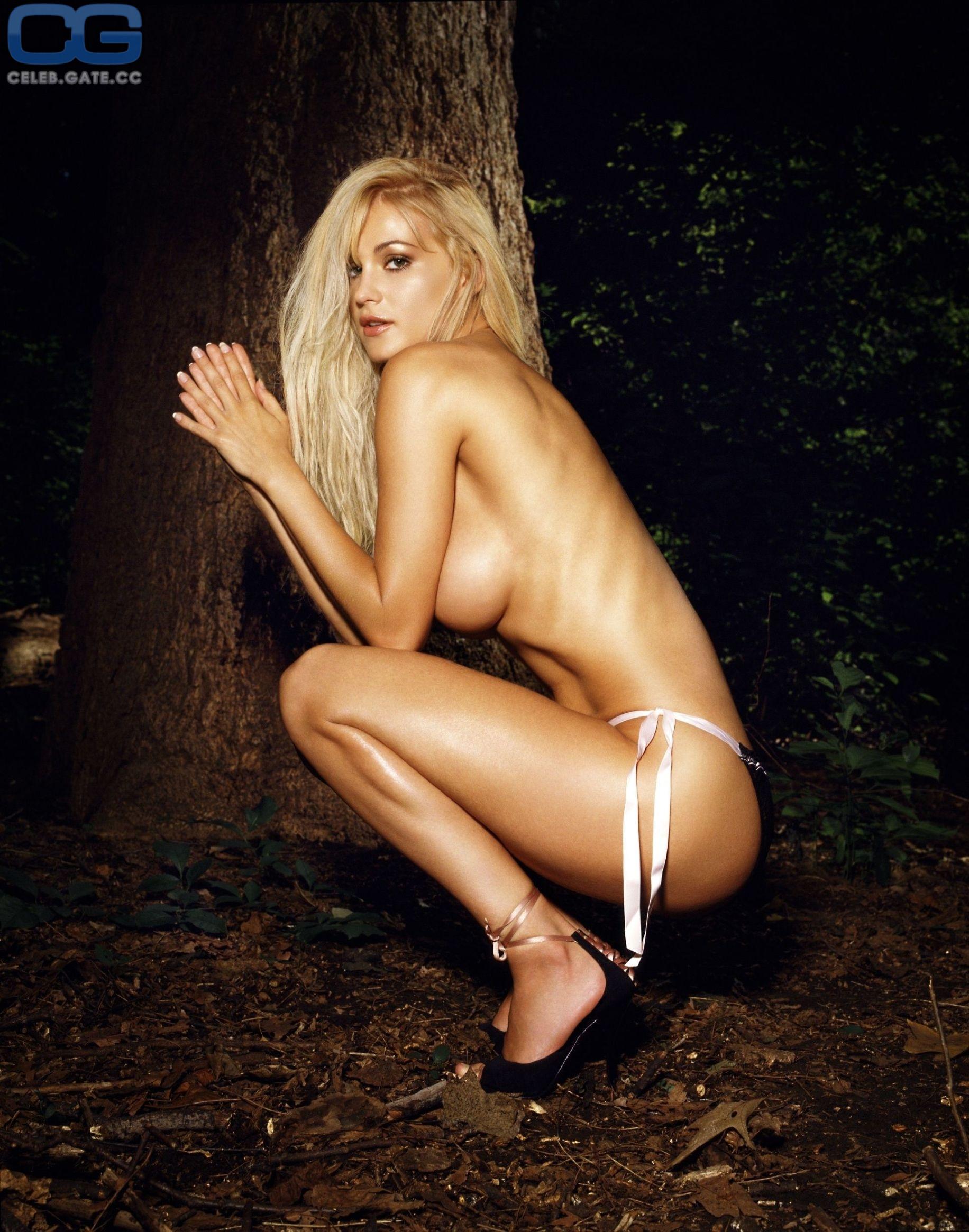 Eva Henger  nackt