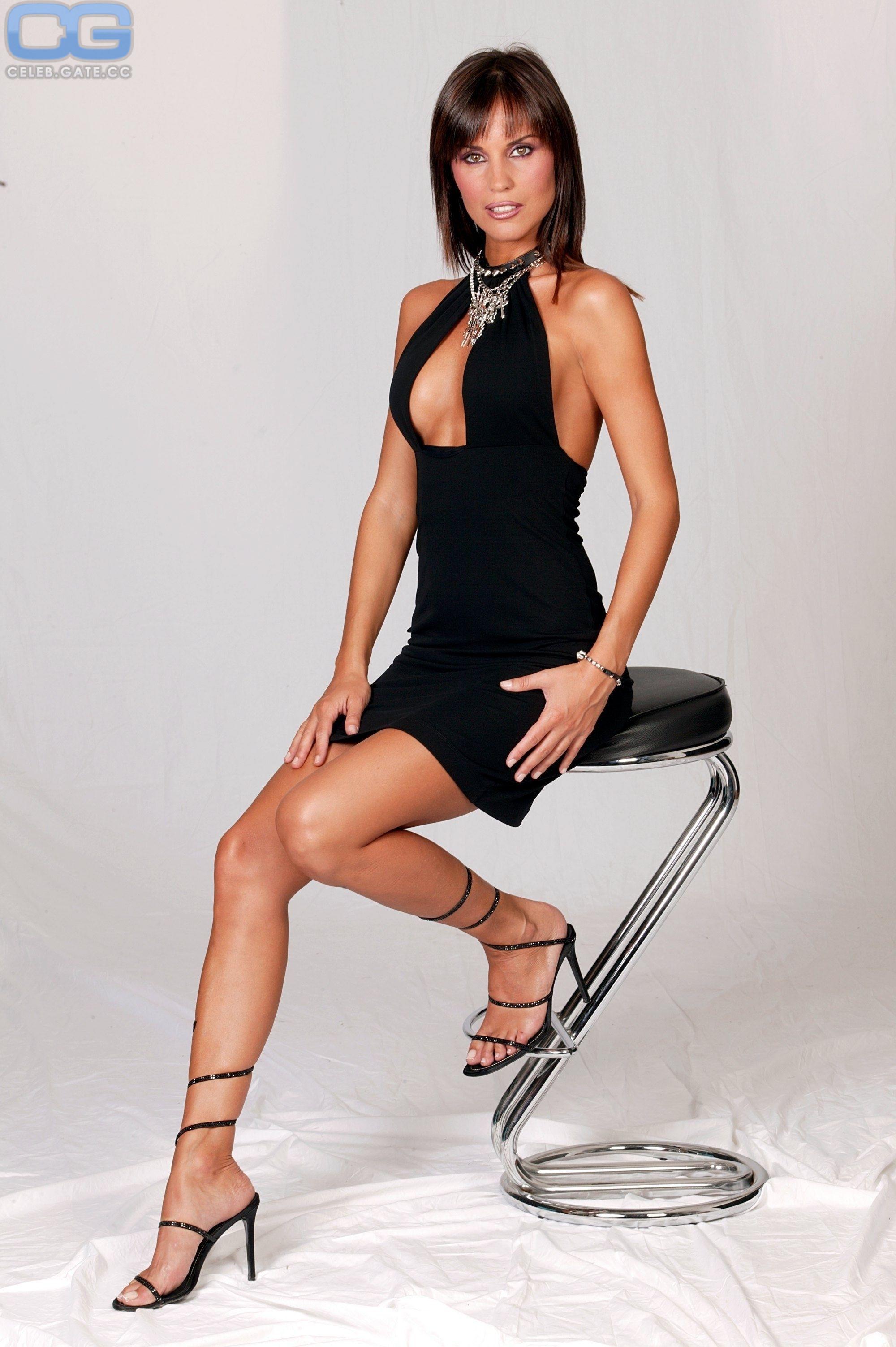 Antonella Mosetti  nackt