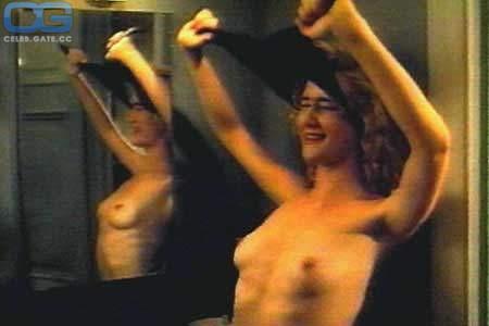 Laura Dern  nackt