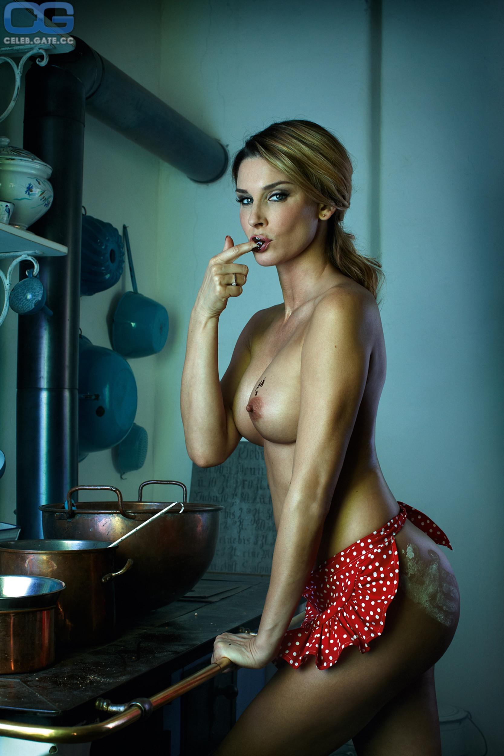 Deckert naked claudelle Claudelle Deckert
