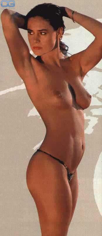 Nude corinne clery Corinne Cléry