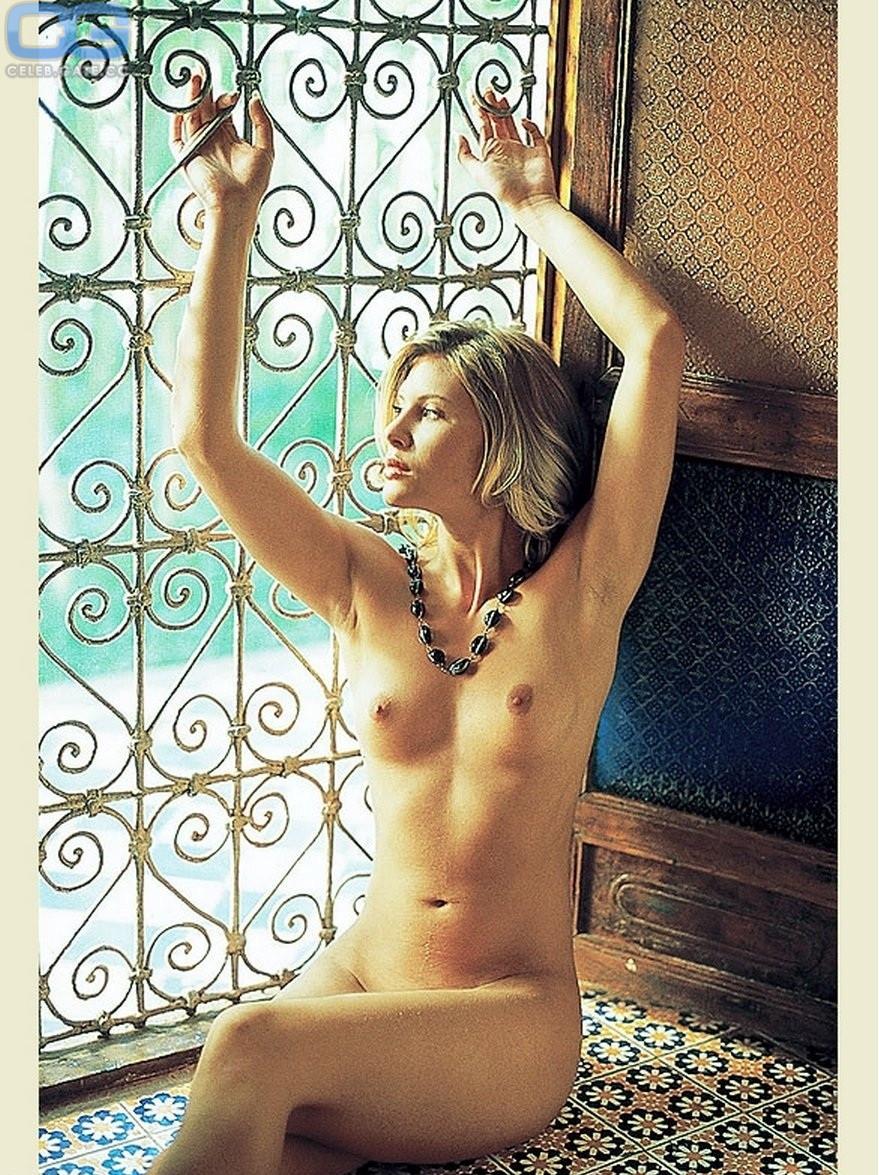 Nackt Sarah Walker  Sarah Grey