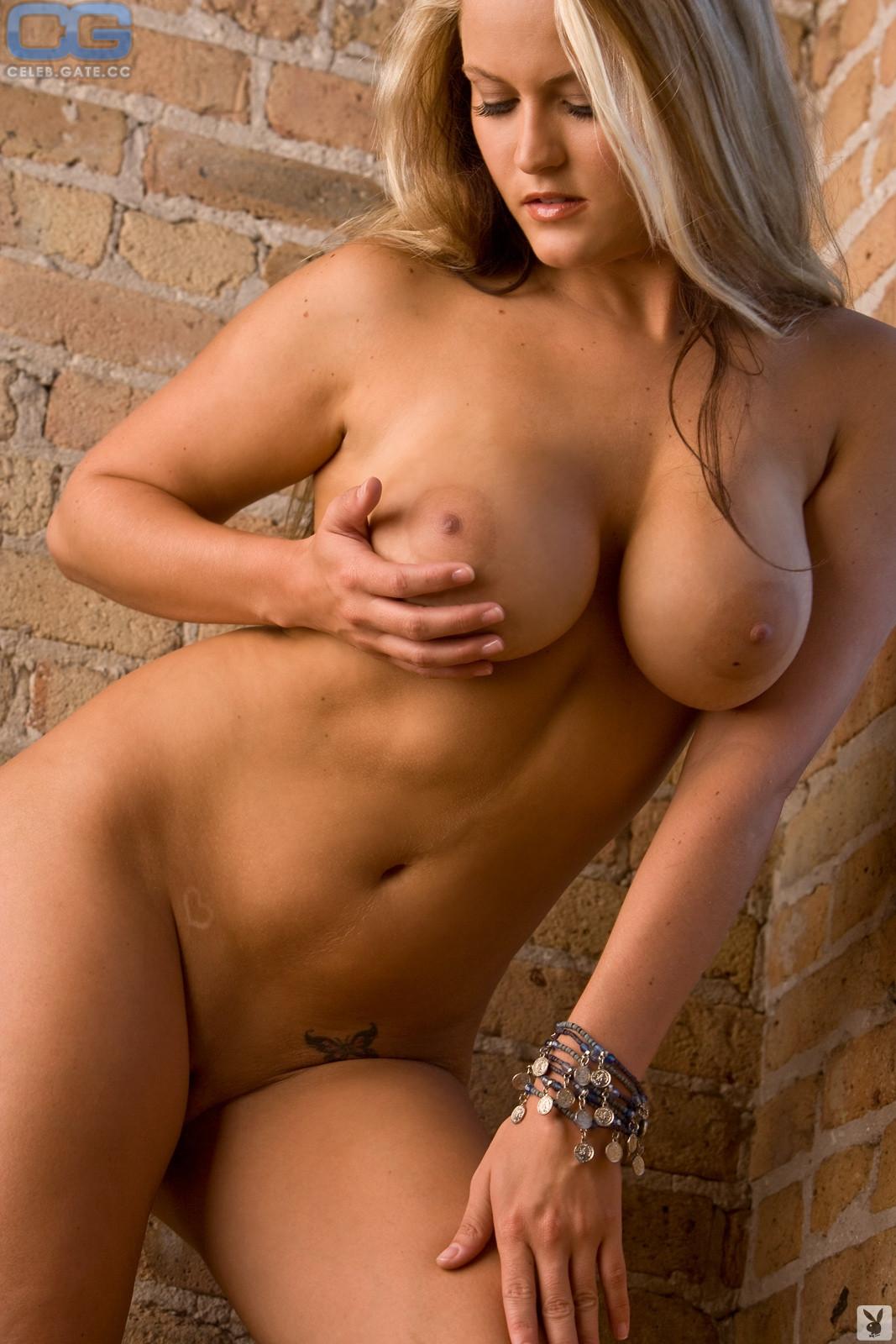 Nackt Michelle Moore  Michelle Hunziker