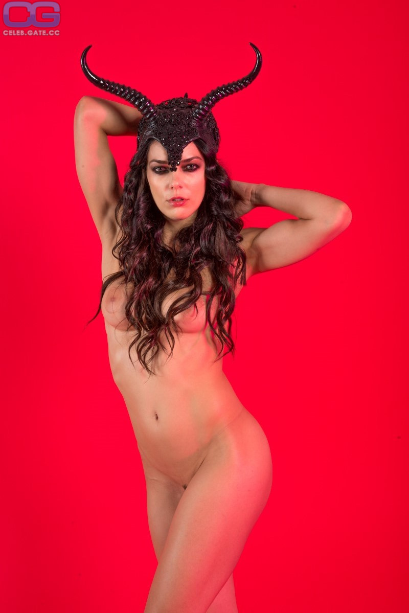 Saleisha Stowers  nackt