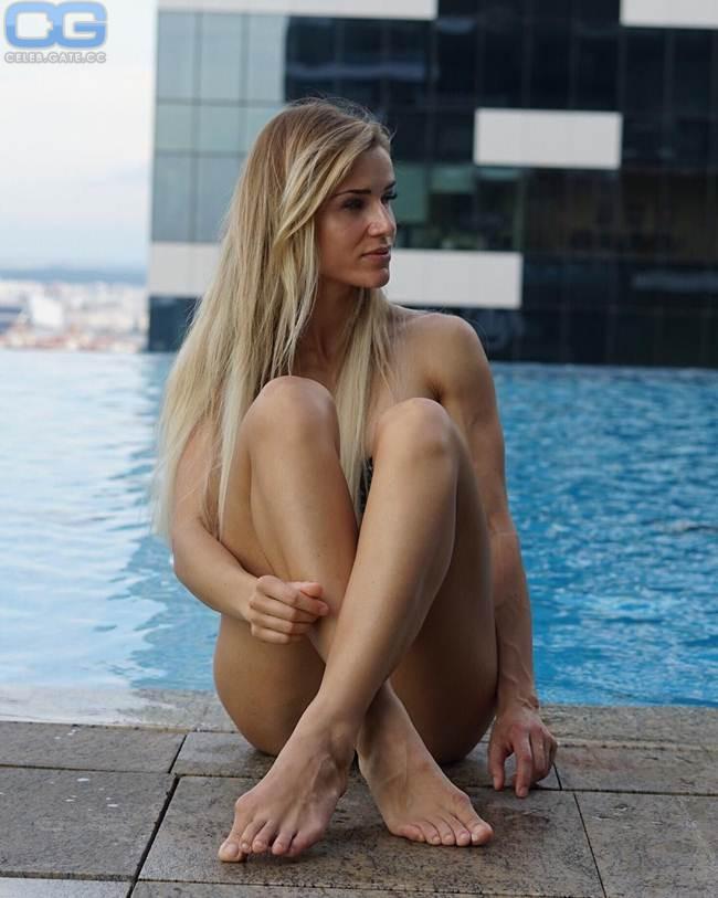 Nackt Adrienne Koleszar  DARF sie