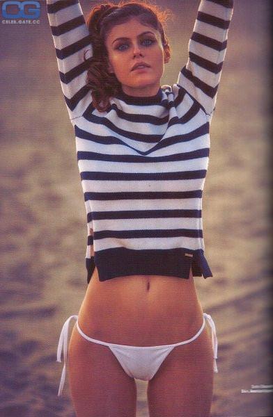 Alexandra Daddario leaked nudes