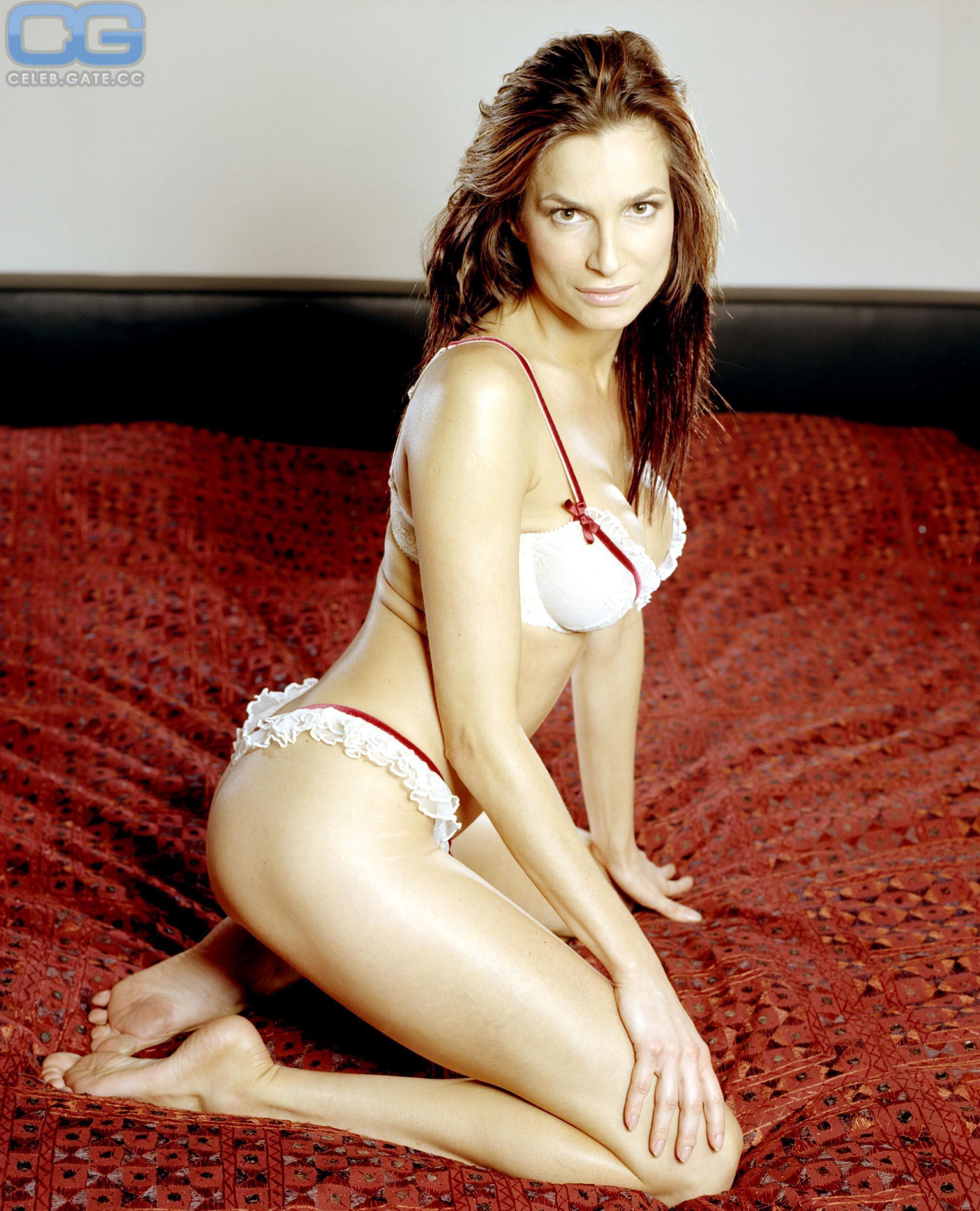 Alexandra kamp nude
