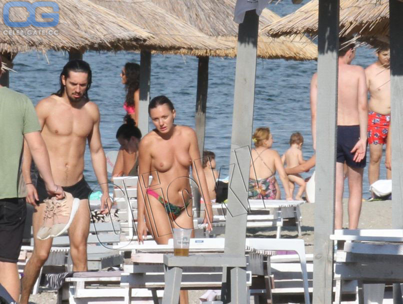 Stan nude alexandra Alexandra Stan