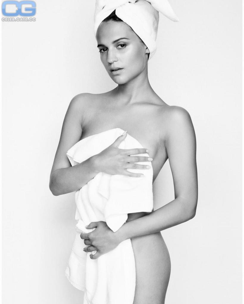 Alicia Vikander naked
