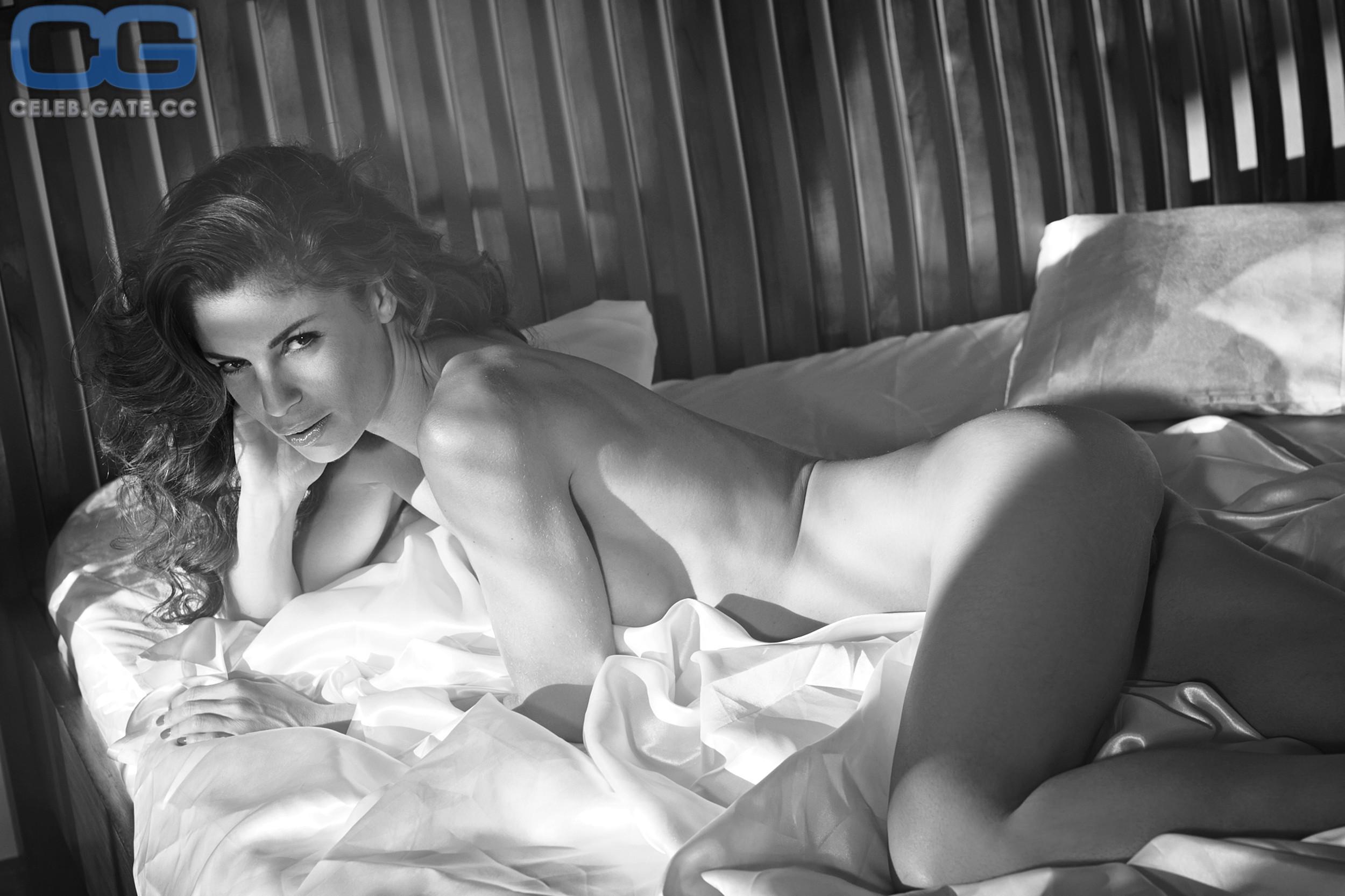 Harouat nackt Alissa  Model Alissa