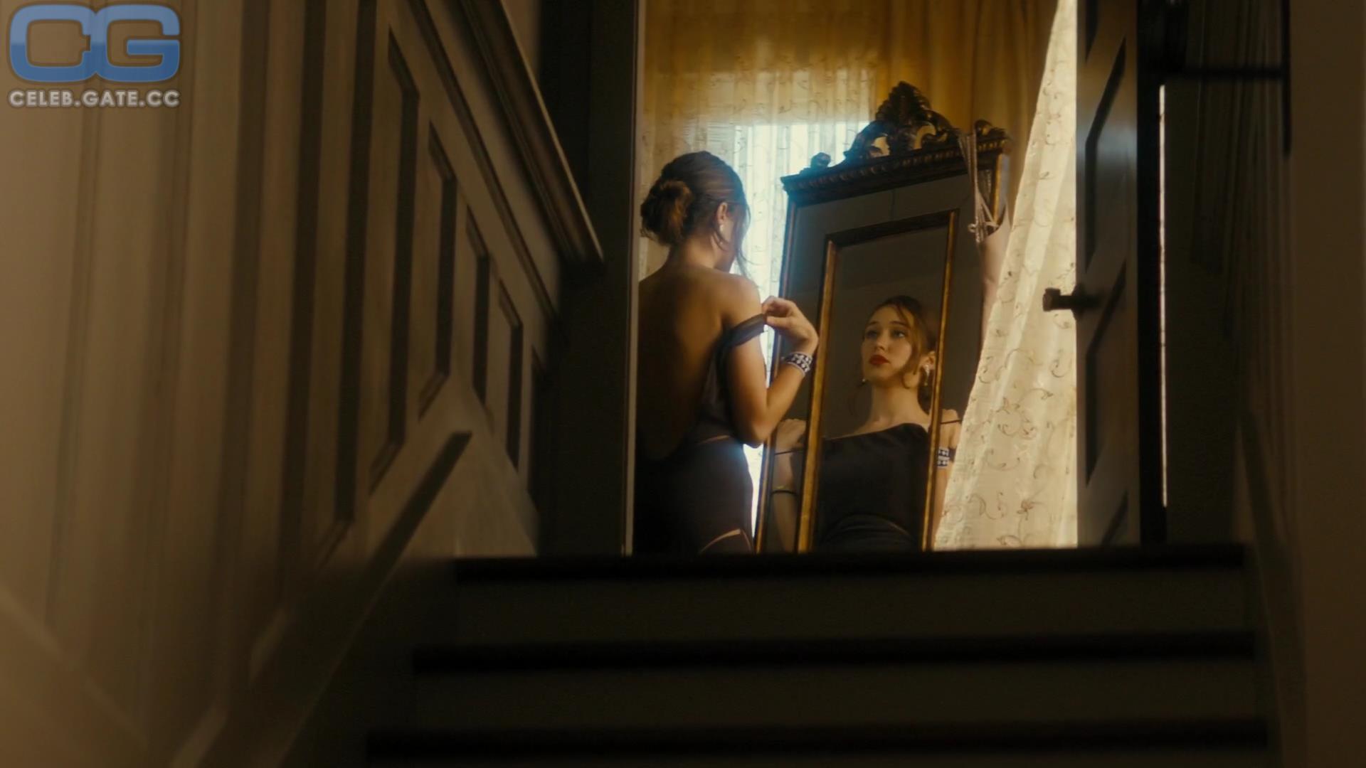 Carey alycia nude debnam Alycia Debnam