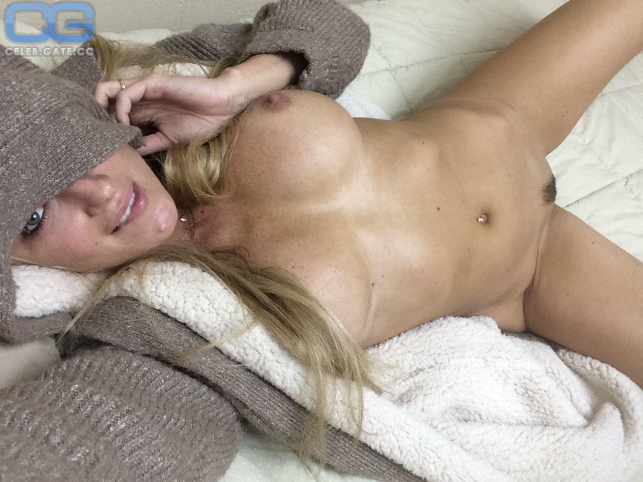 Nichole  nackt Amber Amber Nichole