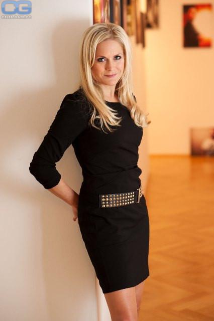Angela Braun  nackt