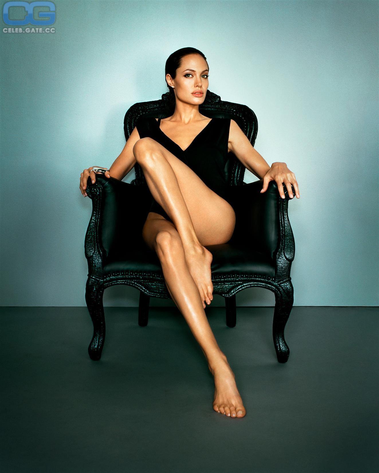 100 Pictures of Angelina Jolie Nackt