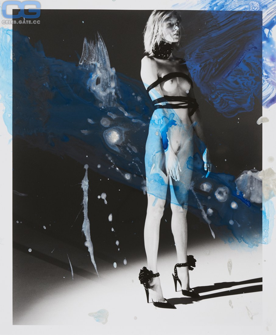Anja Rubik naked pics