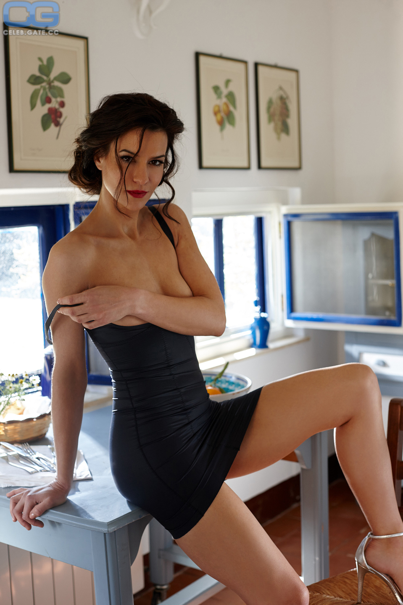 Class nackt Lena Anna Frisch Susu