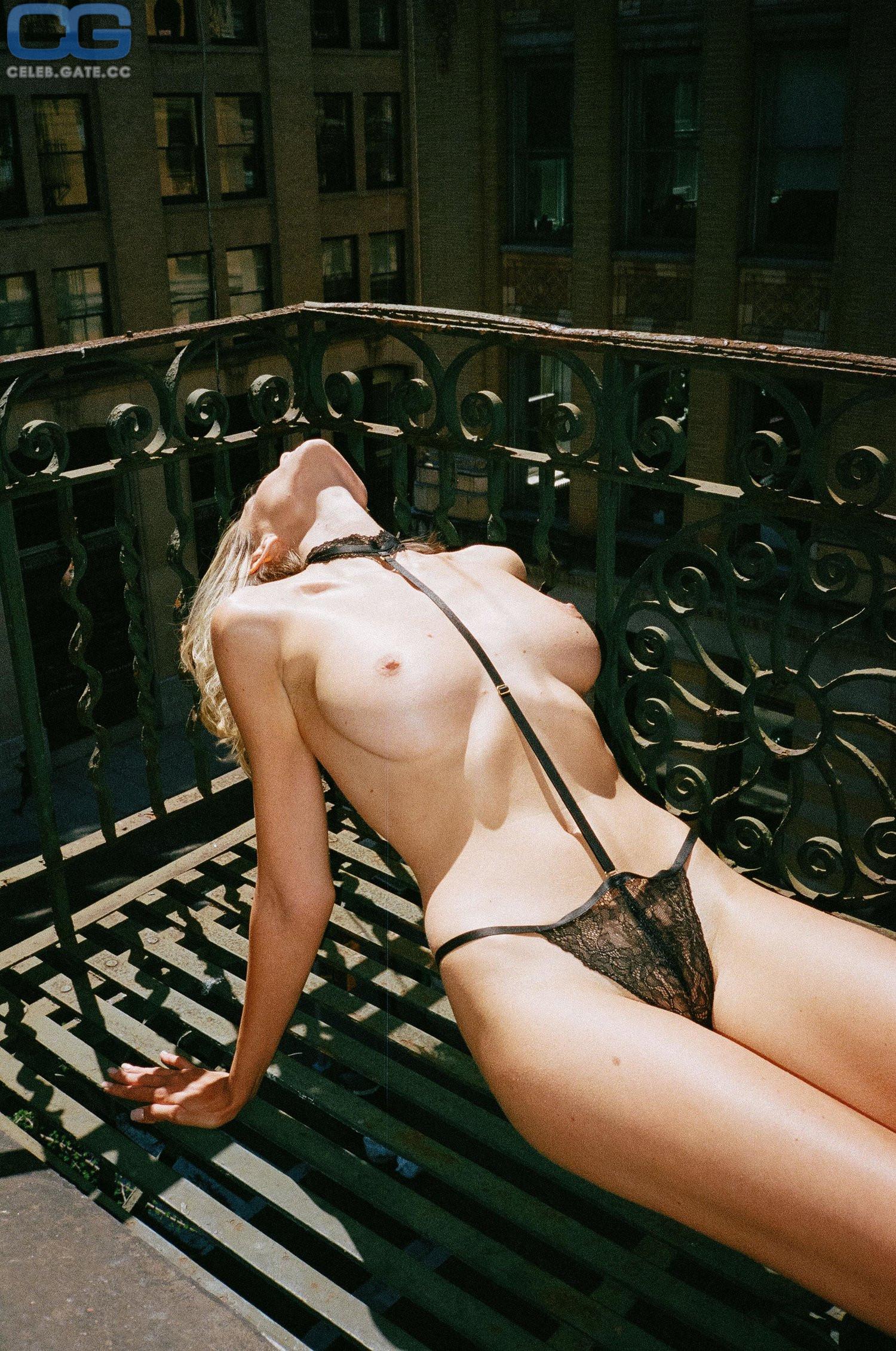 Anna schmidt nackt