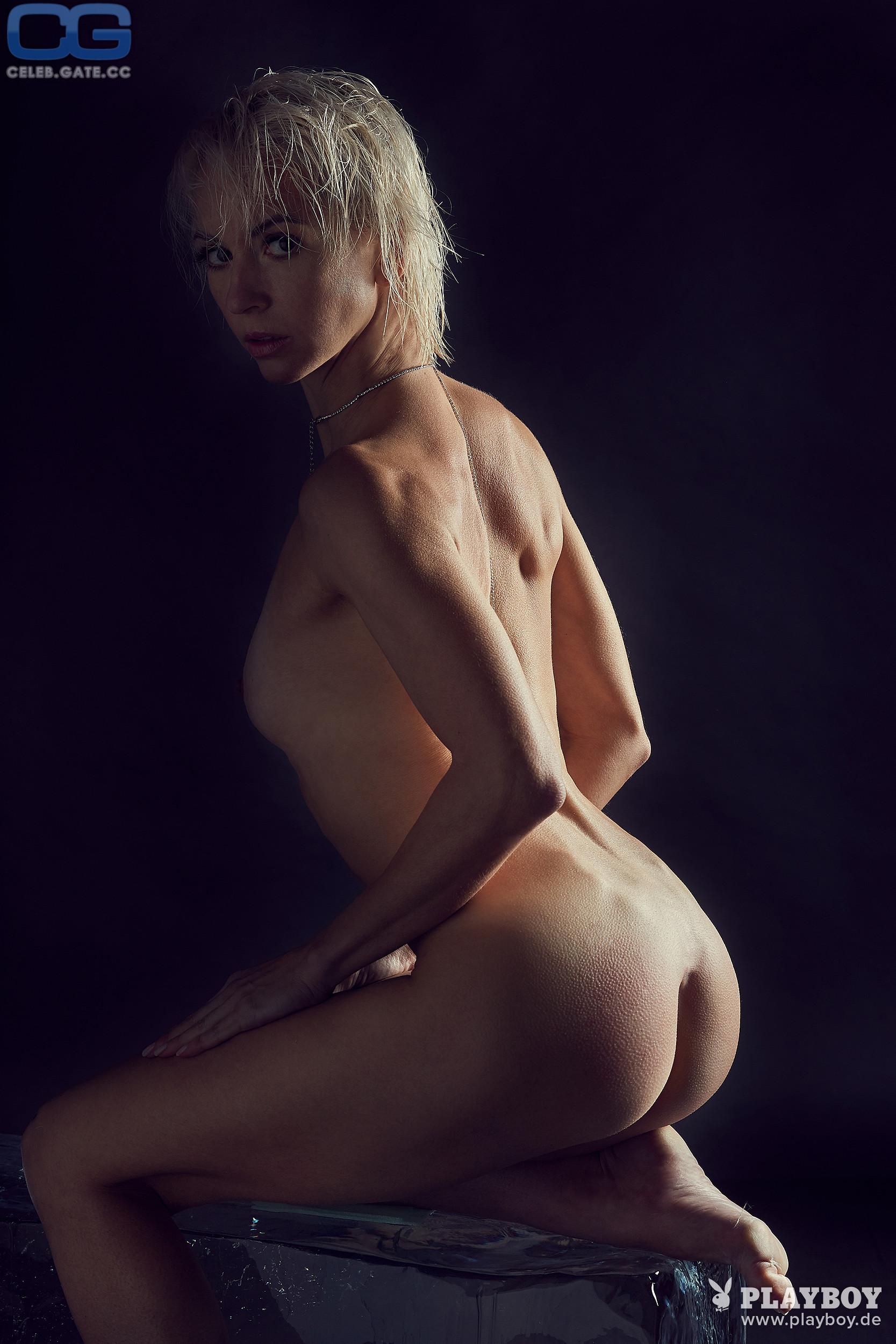 Annette Dytrt  nackt