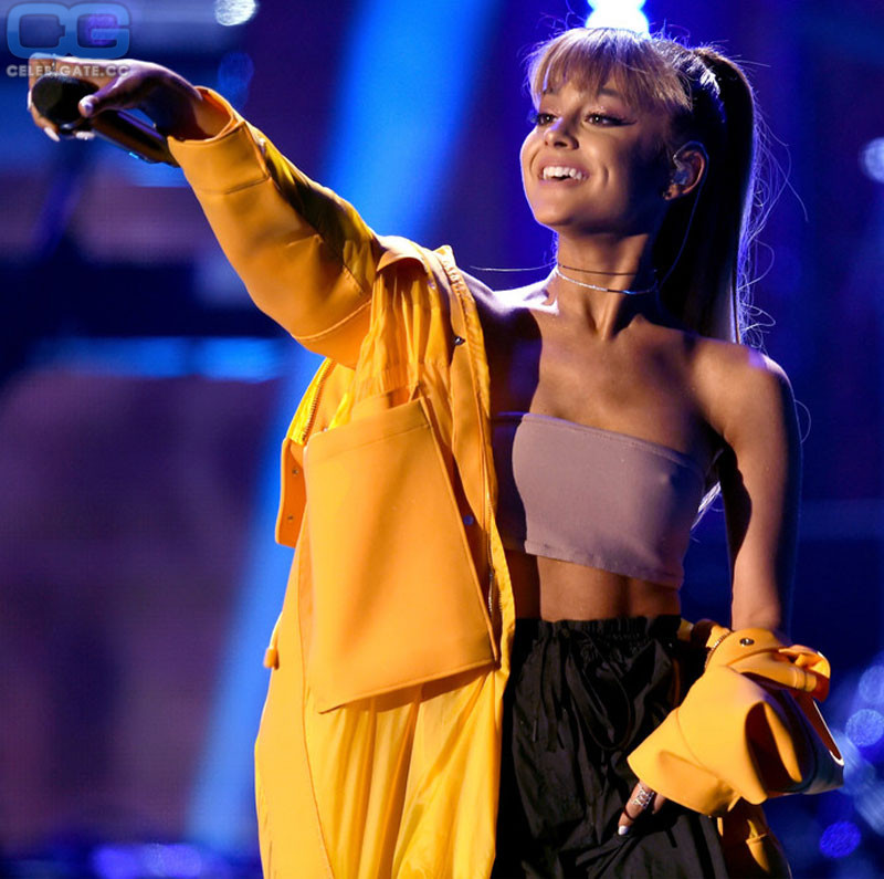 Ariana Grande braless