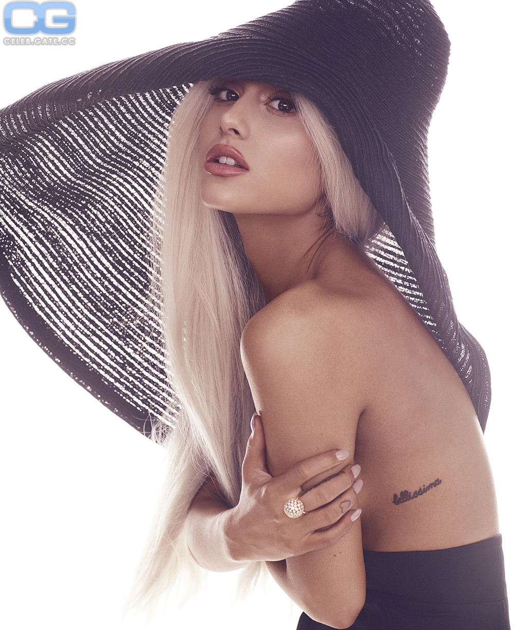 Ariana Grande topless