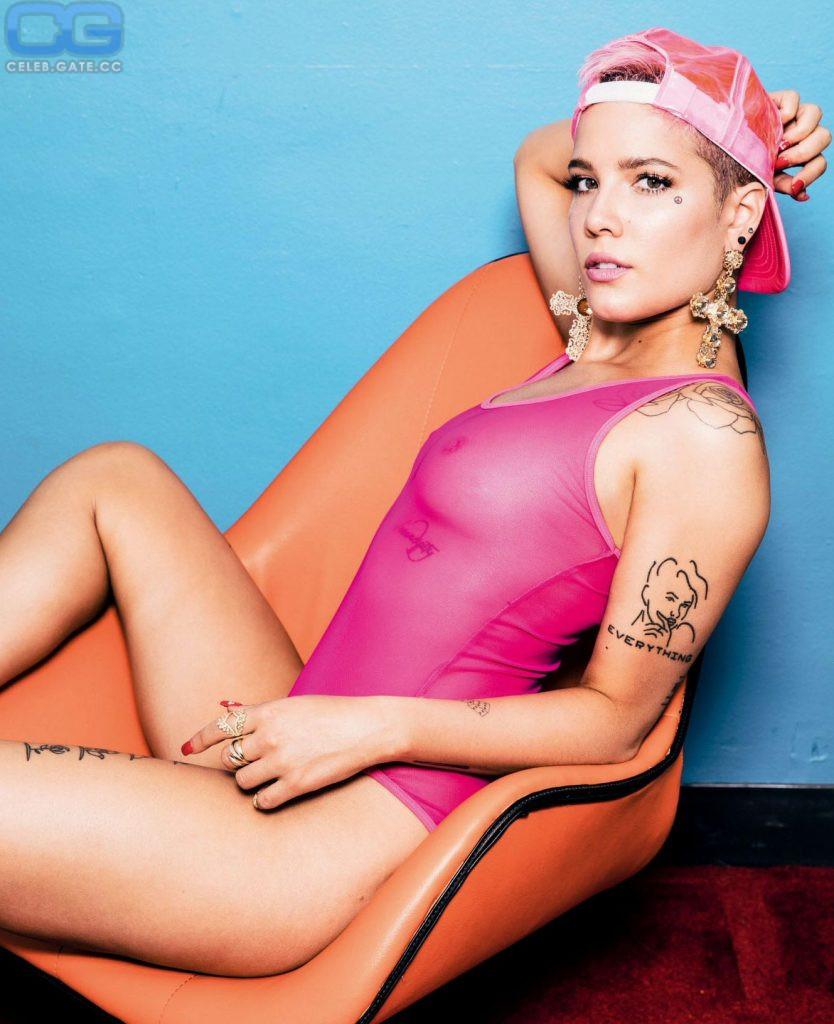 Nackt Ashley  Nicolette Frangipane Who are