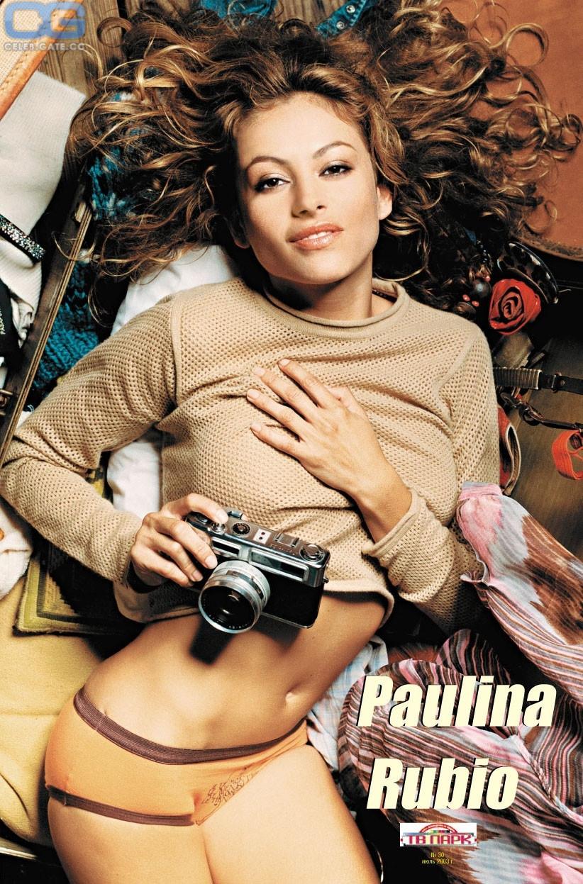 Paulina Rubio  nackt