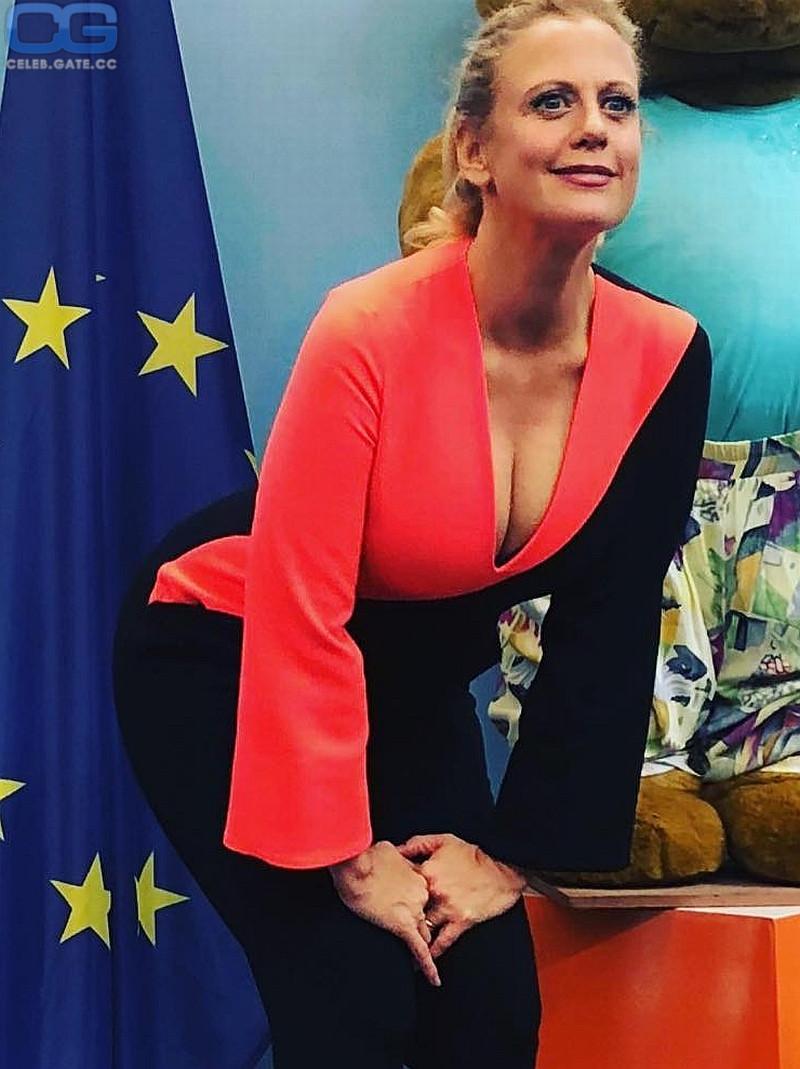 Schöneberger fake barbara Barbara Schöneberger