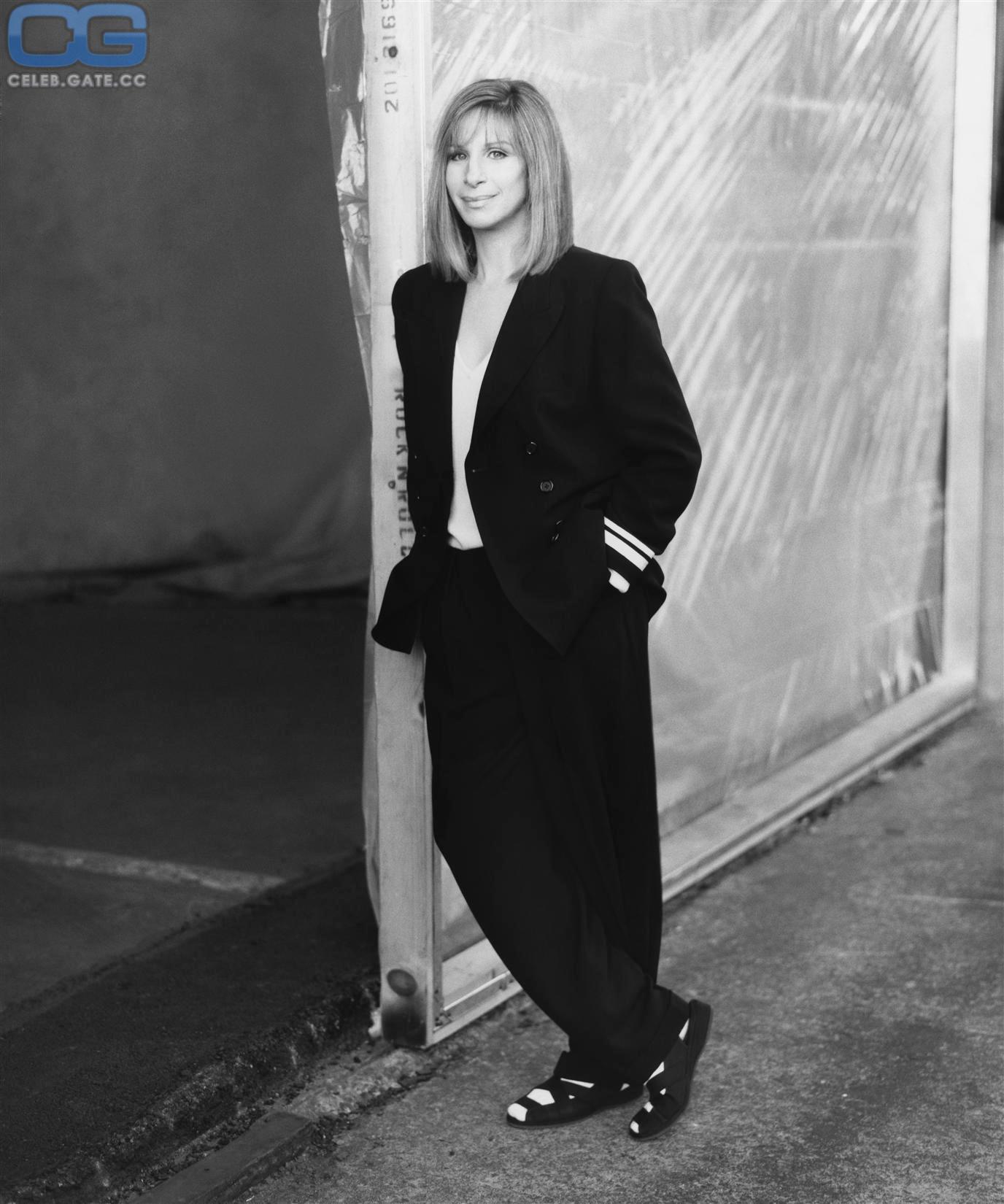 Barbra Streisand  nackt