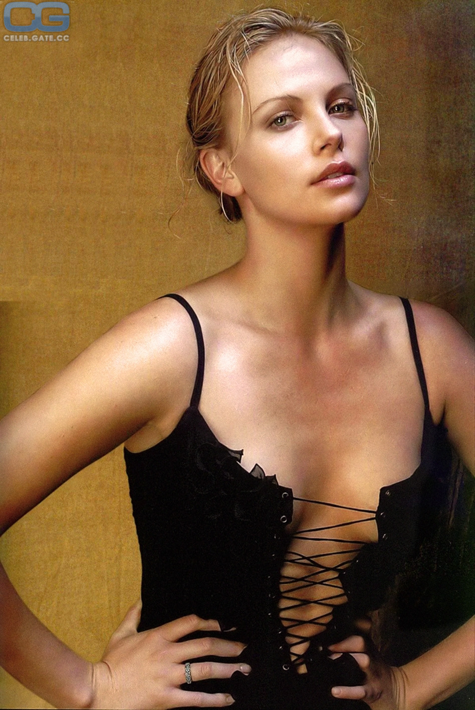 Charlize theron nackt fakes