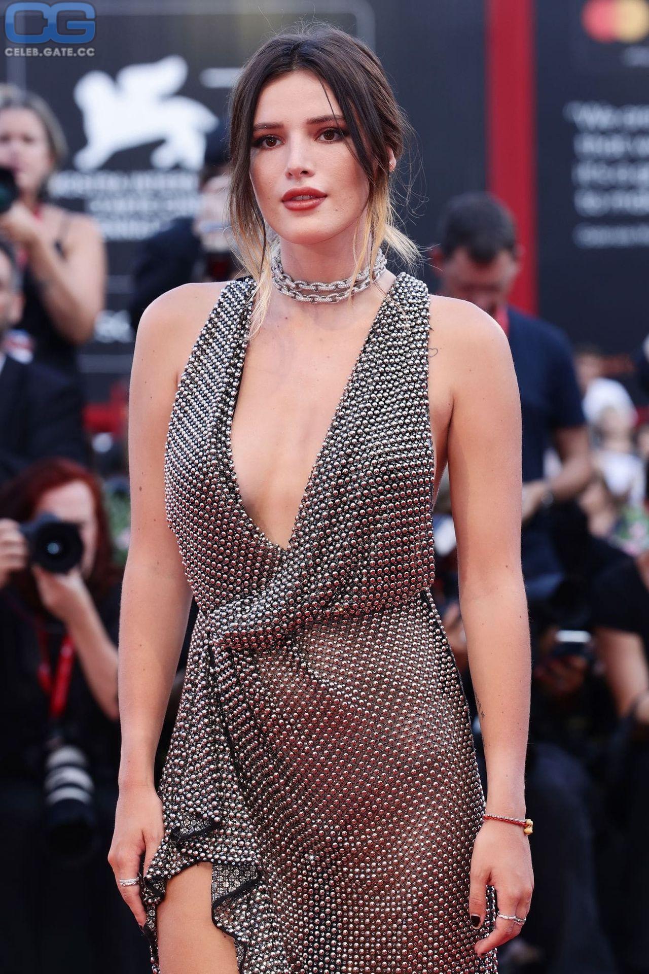 Bella thorne sexy nackt