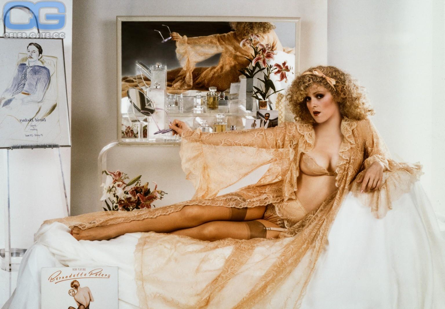 Bernadette Peters  nackt