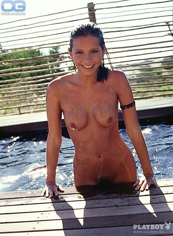 Nackt Bessie Carter  'bridgerton' Actress