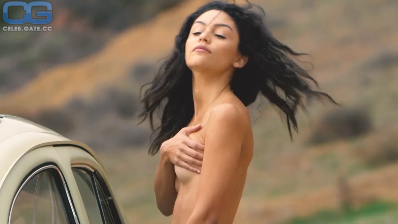 Bianca Santos Nude