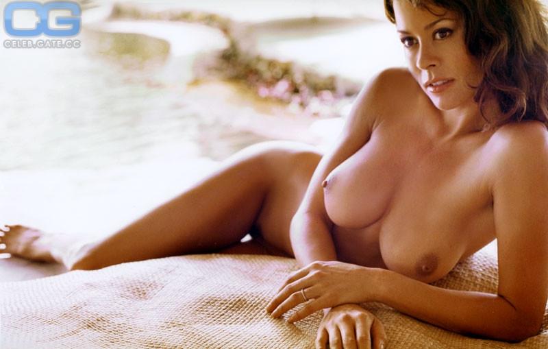 Brooke Burke Charvet  nackt